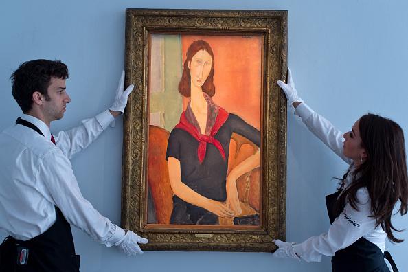 אמאדו מודיליאני נפטר מהעולם חסר כל, ולמרבה האירוניה כיום יצירותיו נמכרות במיליונים. אחת מיצירותיו המפורסמות ביותר, דיוקן של בת זוגו ז'אן אבוטרן, נתלה על הקיר בידי עובדי בית המכירות הפומביות סות'ביז לקראת העמדתו למכירה פומבית, יוני 2016