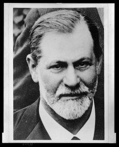 פרויד החל את דרכו המקצועית כרופא קונבנציונלי, ורק במפנה המאות ייסד את הפסיכואנליזה. פרויד ב־1909, השנה שבה עשתה הפסיכואנליזה את צעדיה הראשונים בארצות הברית