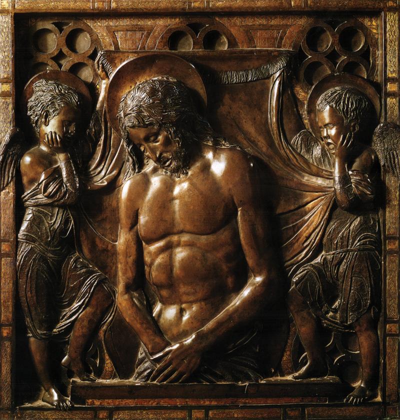 בזיליקה אפופת מוות. 'מותו של ישו', עיטור של דונטלו למזבח הבזיליקה על שם אנטוניוס