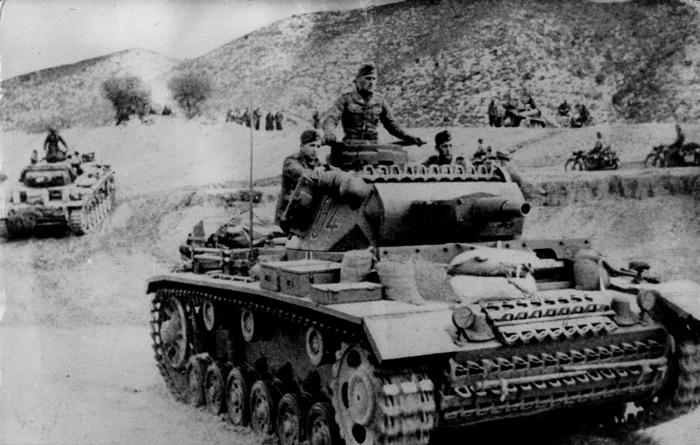 פגיעתו של הכיבוש הנאצי בג׳רבה לא הייתה חמורה כמו במקומות אחרים. כוחות גרמניים נכנסים לתוניסיה