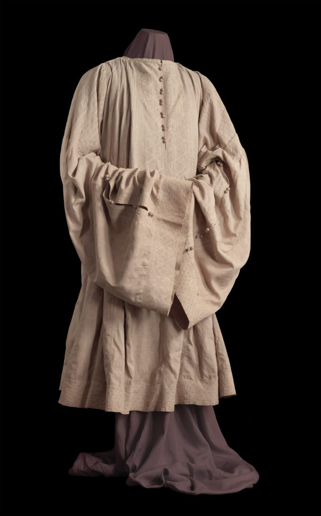 המעיל של שלמה מלכו שמור עד היום במוזאון היהודי של פראג