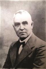אליהו צ'ריקובר. כתב כי הרב אלגאזי חתם כנראה על שטר ההתקשרות אחרי מותו