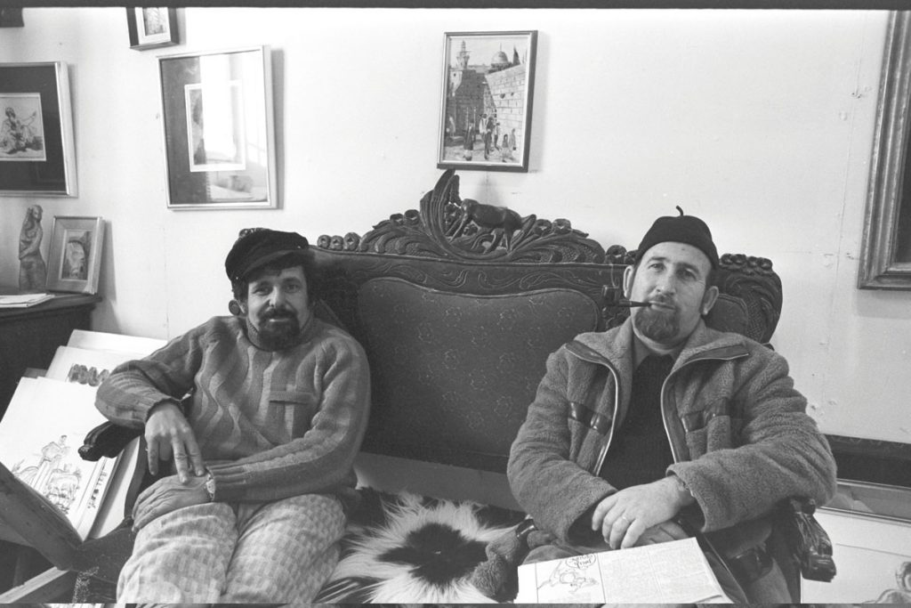The first pioneers to return to the Jewish Quarter were artists, though Jerusalem mayor Teddy Kollek's vision of an artists' colony – like that in Safed's Old City – failed to materialize. Artist Nahum Arbel (left) with Elida Merioz in the latter's art gallery in the Jewish Quarter, 1973