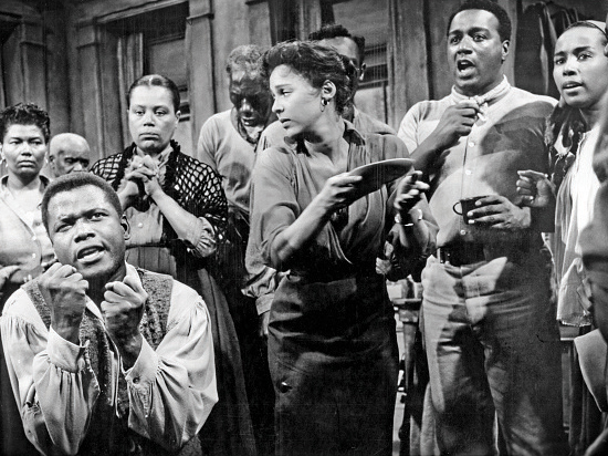 To this day, Gershwin's heirs allow only black actors to perform Porgy and Bess. Scene from the 1959 movie
