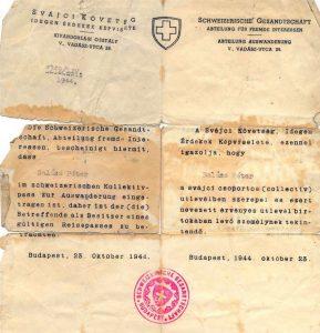 אישורים אמיתיים ומזויפים שהעידו כי נושאיהם נכללים בדרכון השוויצרי הקולקטיבי היו קרש הצלה לעשרות אלפים. שוצפס