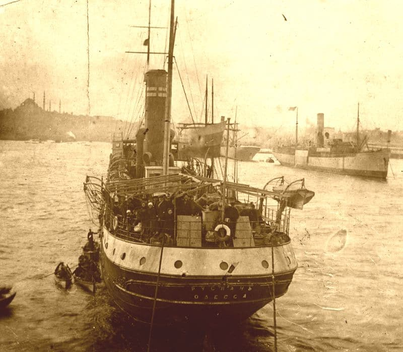 """""""ספקולנטים, ומעט אלמנט חיובי"""". האונייה רוסלן שסימנה את תחילתה של העלייה השלישית בצאתה מקושטא, 1919"""