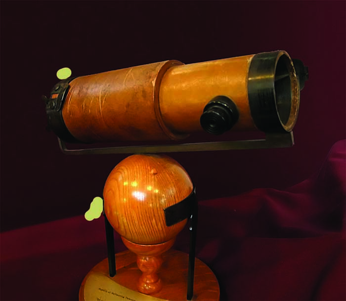 A true polymath, Newton had a finger in every scientific pie. Replica of the second telescope he built at Trinity College, now housed in the Whipple Museum of the History of Science, Cambridge