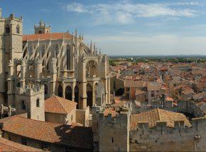 הקתדרלה והעיר העתיקה של נרבונה כיום. צילום: Benh LIEU SONG