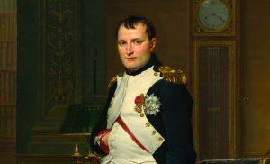 לנפוליאון בונפרטה היו שאיפות מרחיקות לכת בכל התחומים. קיסר צרפת, שידוע בעיקר בזכות היותו אחד המצביאים הגדולים בהיסטוריה, היה גם בעל חזון חברתי, פוליטי ולאומי ואימץ רבים מערכי המהפכה הצרפתית. נפוליאון בחדר עבודתו בארמון טווילרי בשיא גדולתו, לפני המסע הכושל לרוסיה שהביא עליו את סופו. ז'אק לואי דוד, שמן על בד, 1812