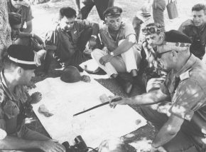 Head of the IDF's Harel Brigade Col. Uri Ben-Ari briefs his commanders on the outskirts of Jerusalem on June 1, 1967
