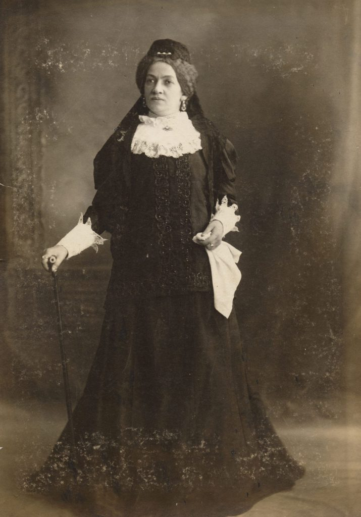 Adler played on his successful reworking of King Lear in the subtitle of the play he wrote for his leading lady. Keni Liptzin in the title role of Mirele Efros, The Jewish Queen Lear