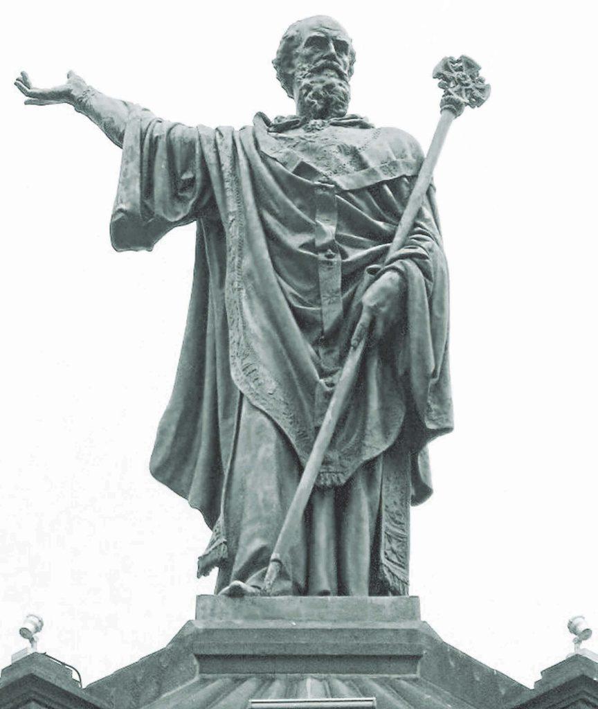 פסל של האפיפיור אורבנוס השני המוצב בקלרמונט שבצרפת, המקום שבו הטיף אורבנוס ושלהב את ההמונים לצאת למסע הצלב