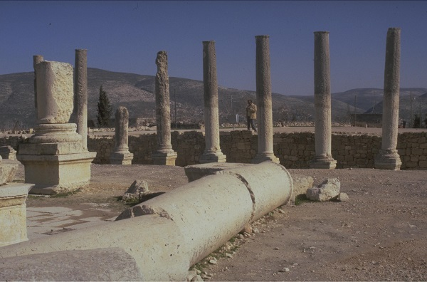 שומרון: שדרת העמודים של הפורום הרומי