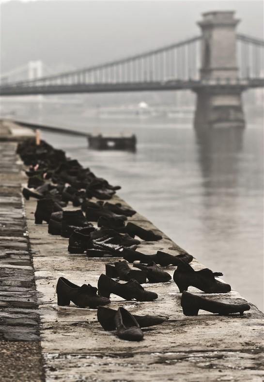 פעילויות ההצלה לא הצליחו להגיע לכולם. 'נעליים על הדנובה', אנדרטה לזכר מאות יהודים שהושלכו אל מותם לנהר