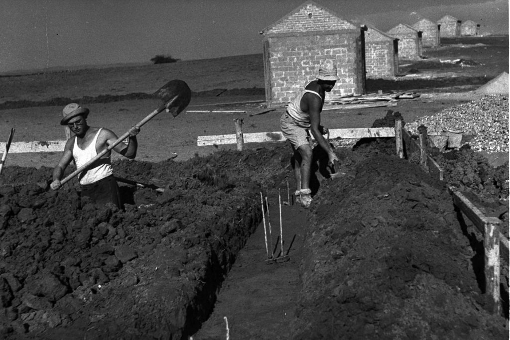 חיילים משוחררים שעלו לארץ ישראל הקימו על שמו מושב. הקמת כפר מונש, 1946