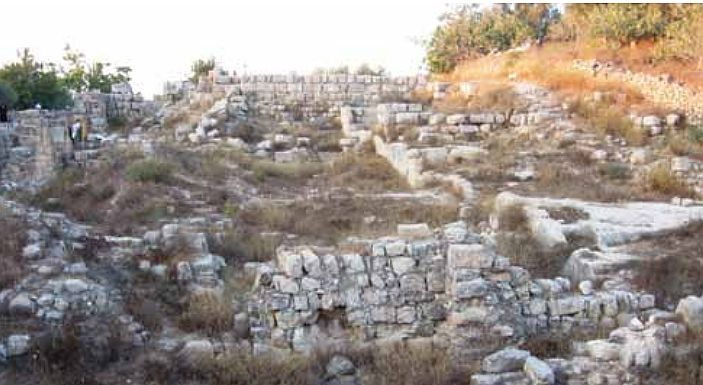 Accessible only with a military escort, Samaria's archaeological treasures include the most complete Roman theater in the Middle East, an avenue of columns gracing the forum, and remains of King Ahab's palace dating from the First Temple period