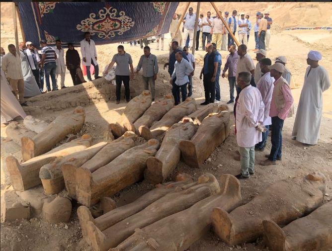 ארונות הקבורה במקום הימצאם