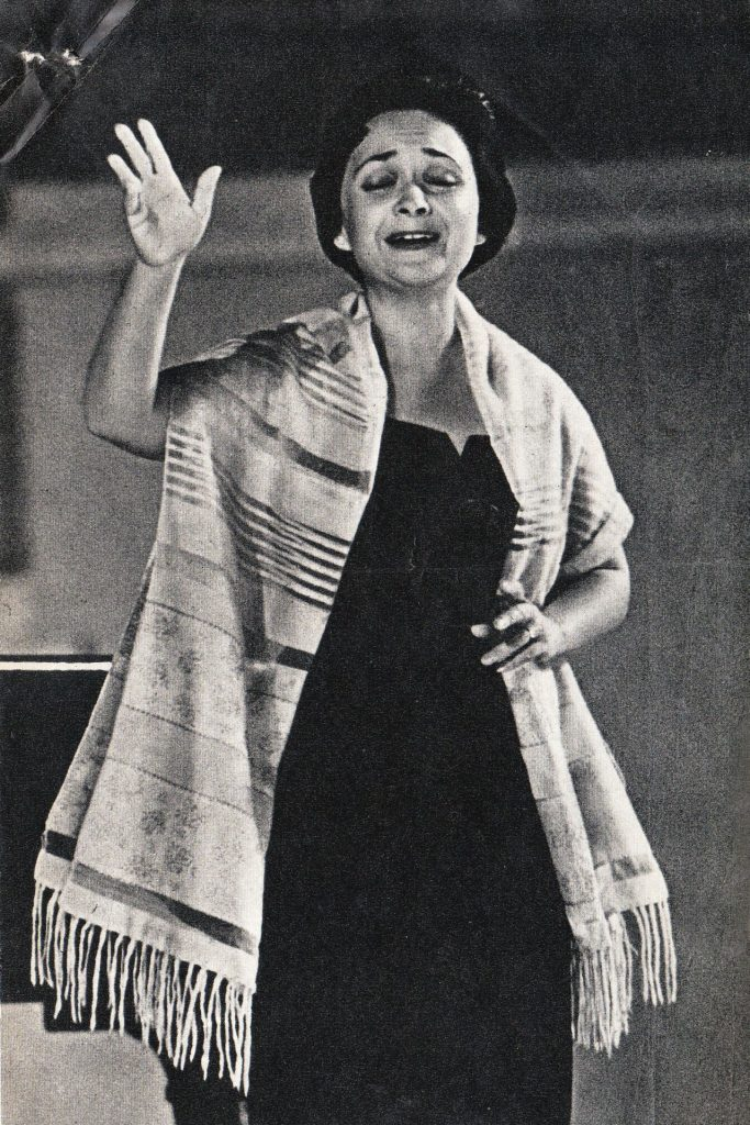 Striped scarf or prayer shawl? Lipshitz performing inYiddish in the USSR